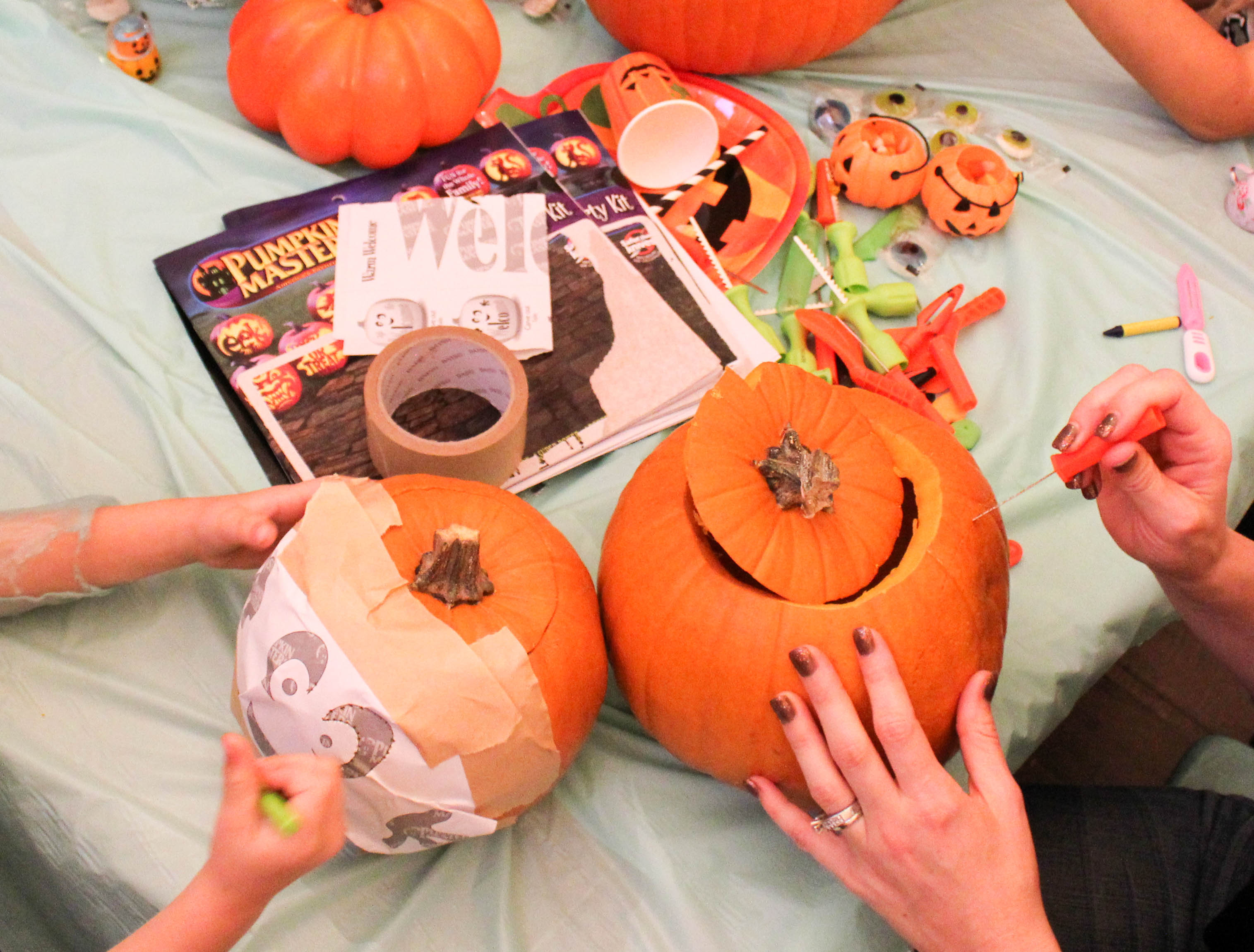 pumpkin-carving-party-costumes-kids-halloween-43-copy