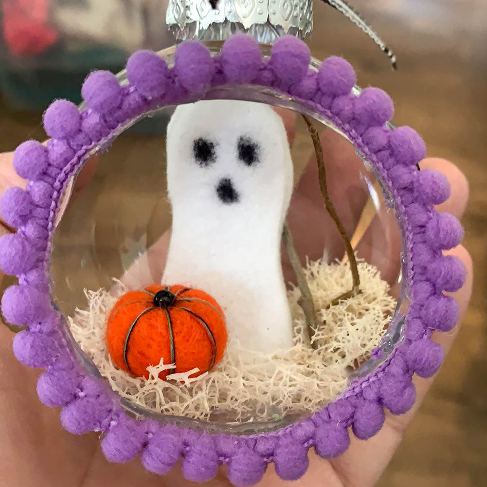 ghost ornament halloween tree